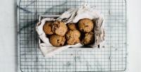 https://dviyeq873v9uq.cloudfront.net/wp-content/uploads/2017/08/22152526/Peanut-Butter-Chocolate-Chip-Cookies-dollyandoatmeal.jpg