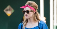 https://dviyeq873v9uq.cloudfront.net/wp-content/uploads/2017/08/29143713/Suki-Waterhouse-hair-bandana.jpg