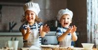 https://dviyeq873v9uq.cloudfront.net/wp-content/uploads/2017/10/24133659/kids-cooking.jpg